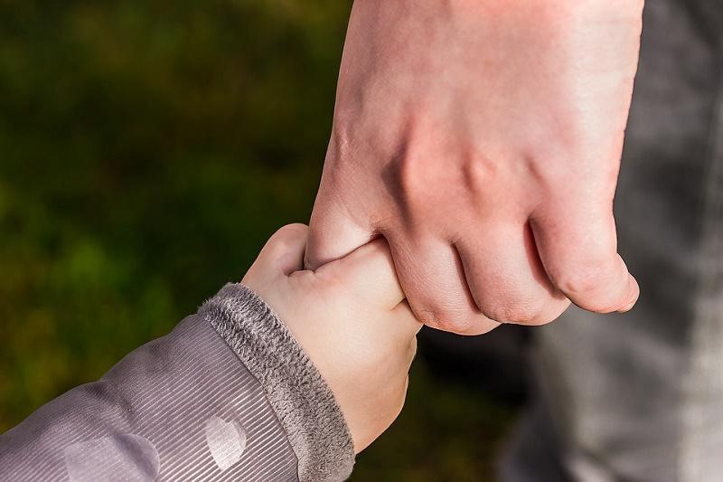 hands_1797401_960_720